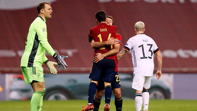 Oyarzabal ấn định tỷ số 6-0 ở phút 89