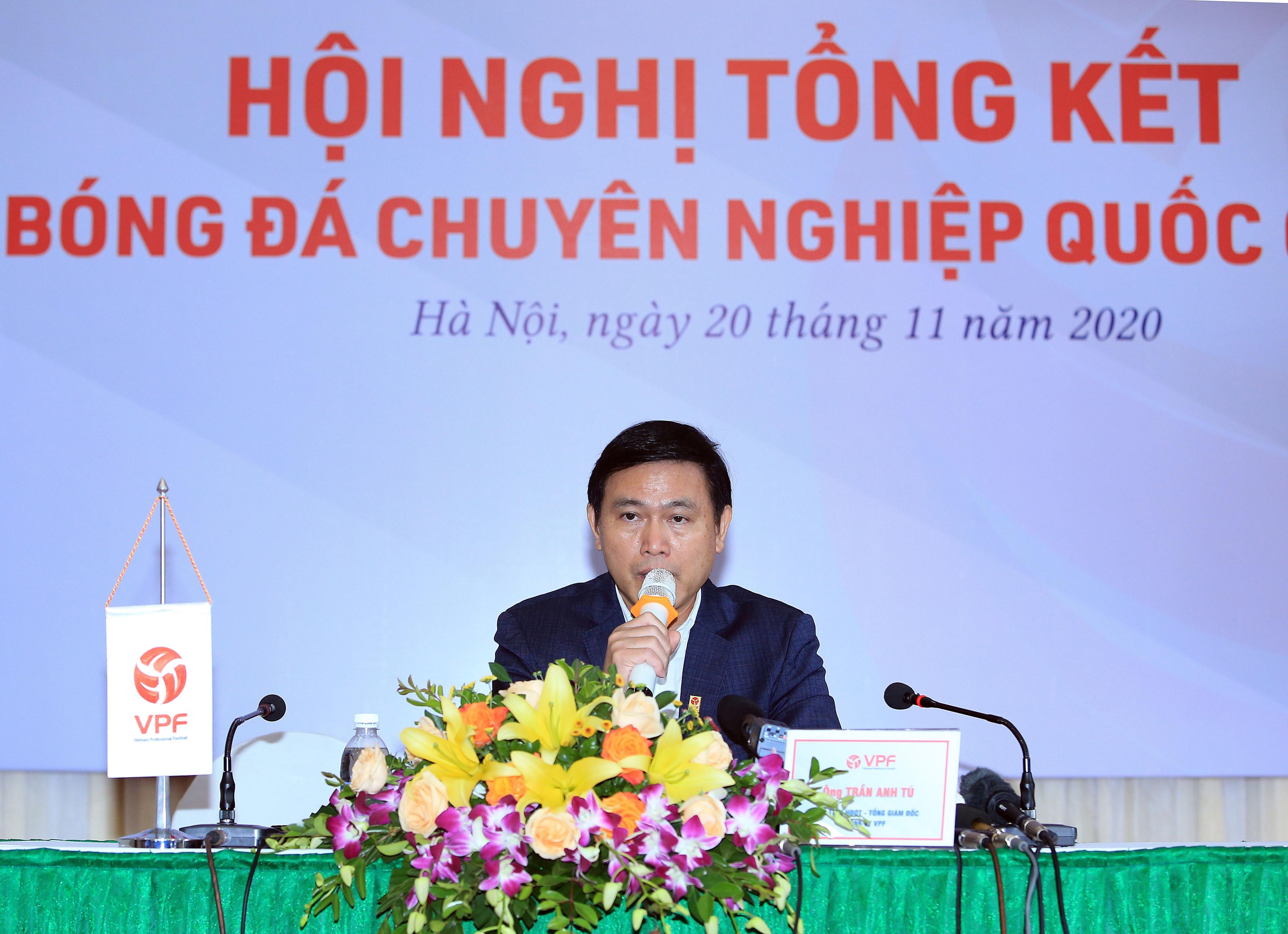 Ông Trần Anh Tú - Chủ tịch kiêm TGĐ VPF cho biết VFF, VPF ưu tiên sử dụng trọng tài nội ở V.League dù chất lượng chưa cao - Ảnh: Đức Cường