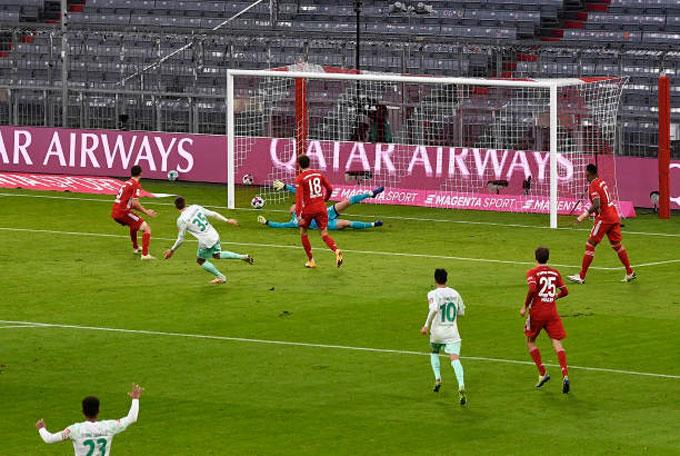 Eggestein mở tỷ số cho Bremen ở phút 45'+1
