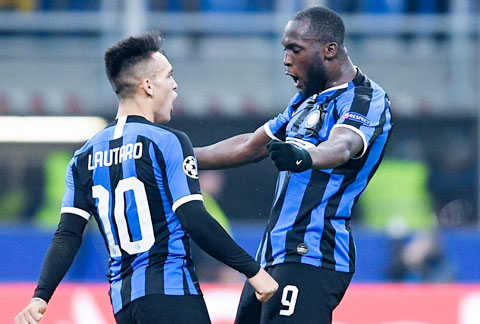 Lukaku (phải) và Lautaro sẽ giúp Inter đánh bại Torino