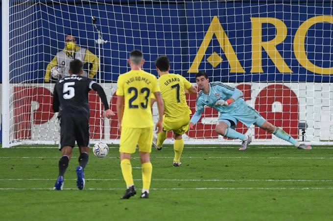 Moreno gỡ hòa cho Villarreal ở phút 76