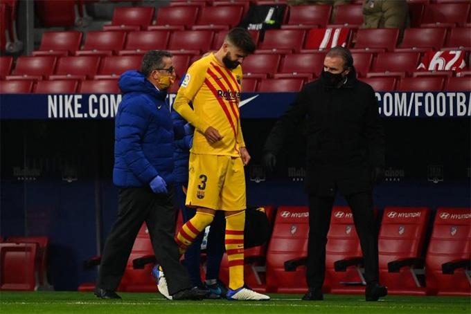 Pique vừa dính chấn thương ở trận Barca thua Atletico 0-1