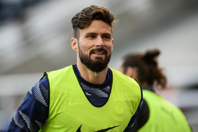 Giroud muốn rời Chelsea