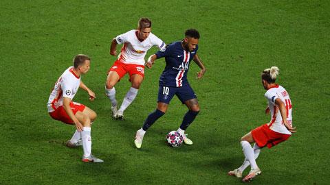 Neymar (giữa) khó có thể giúp PSG vượt qua được một tập thể được tổ chức tốt của Leipzig