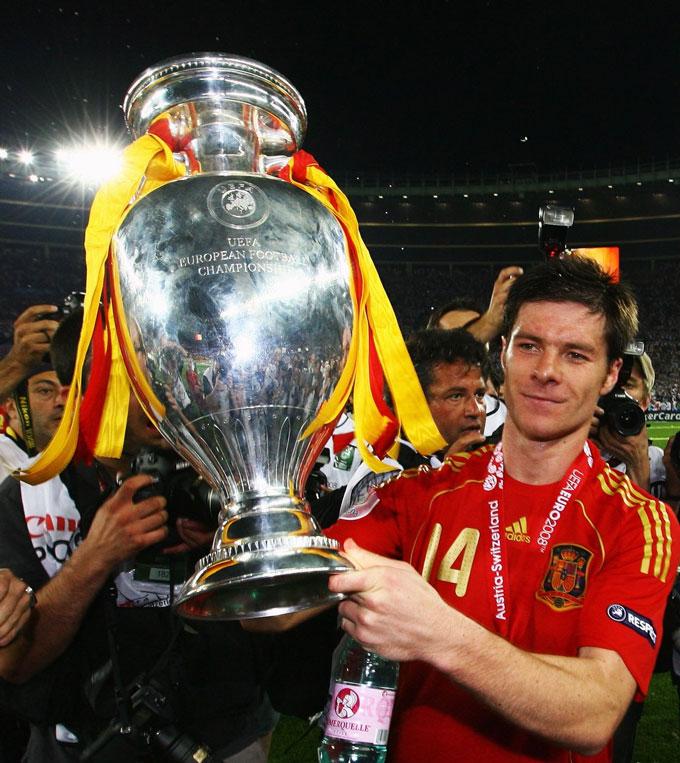 Alonso là hạt nhân trong chức vô địch EURO 2008 của ĐT Tây Ban Nha