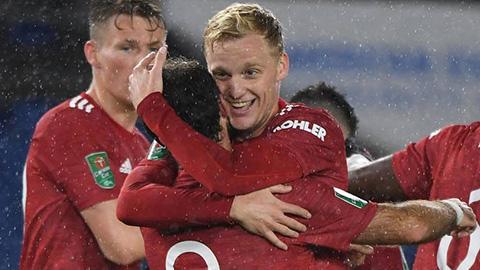 Solskjaer nên bỏ Mata, trao cơ hội cho Van de Beek hoặc Daniel James