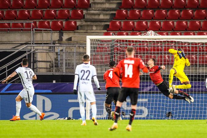 Giroud ấn định tỷ số 2-1 cho Chelsea ở phút 90'+1