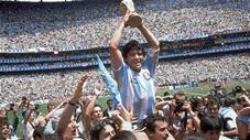 Khoảnh khắc đáng nhớ trong sự nghiệp cầu thủ lẫy lừng của Diego Maradona
