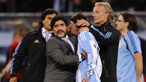Messi thương tiếc huyền thoại Maradona qua đời