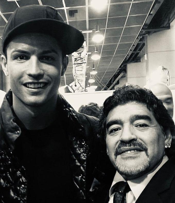 Ronaldo cũng tri ân huyền thoại