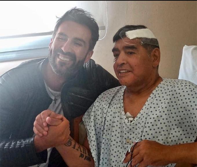 Bức ảnh cuối cùng của Maradona là chụp với bác sĩ Leopoldo Luque