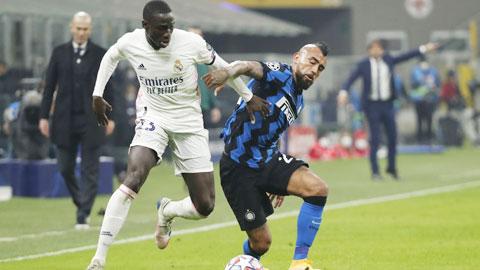 Không ai thèm buồn cho thất bại của Inter