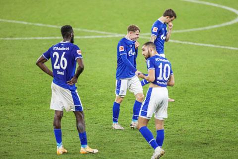 Đội bóng có biệt danh Hoàng đế xanh lừng danh một thời đã có tới chuỗi 24 trận không biết thắng
