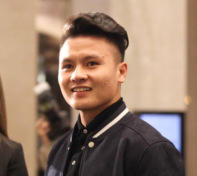 Quang Hải được tặng học bổng toàn phần chuyên ngành Quản trị - Kinh doanh thể thao