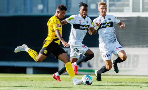 """Sancho (trái) sẽ biết cách ghi bàn trước """"con mồi"""" ưa thích Cologne"""