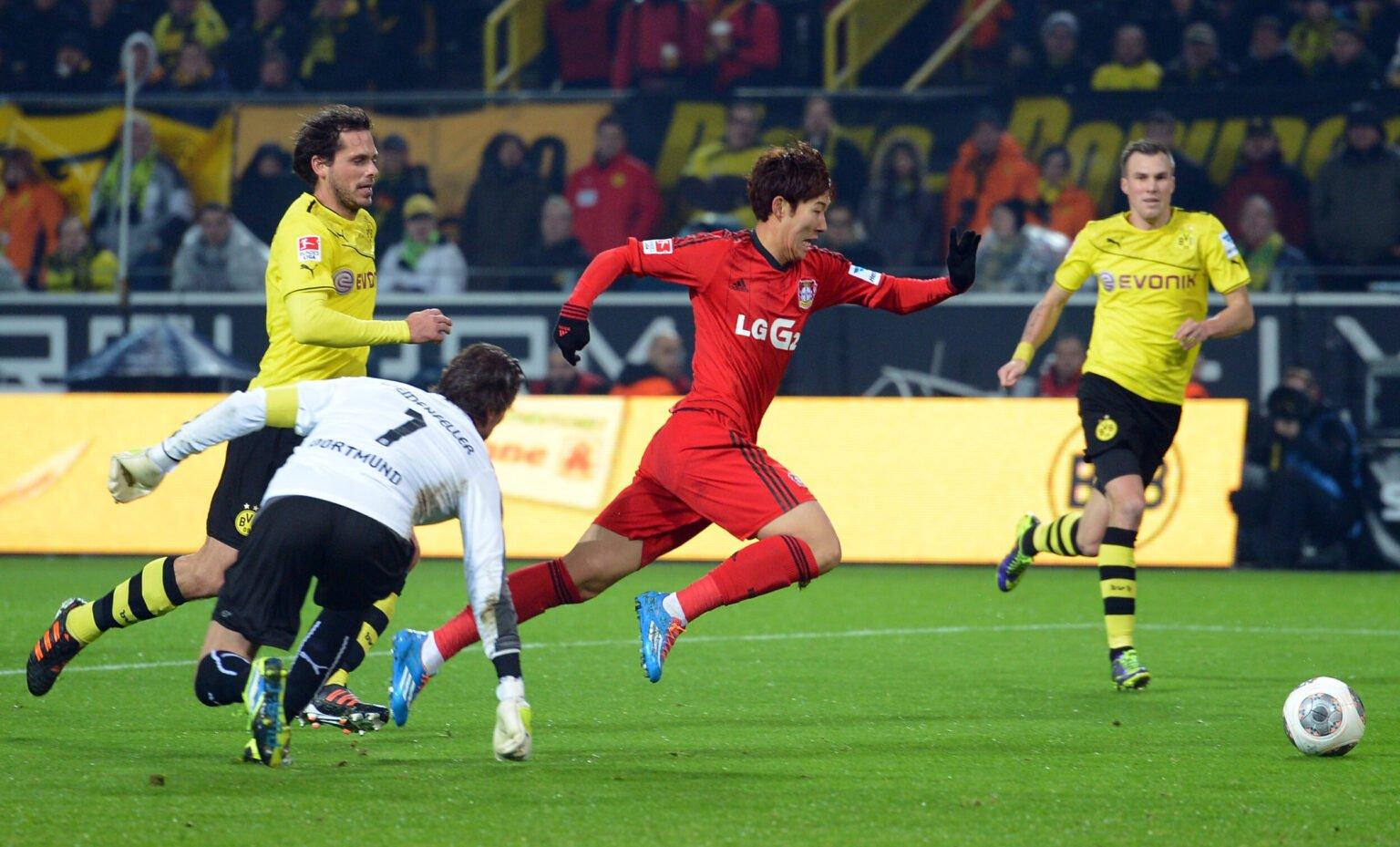 Son đã ghi 41 bàn trong 6 mùa khoác áo Hamburg và Bayer Leverkusen ở Bundesliga