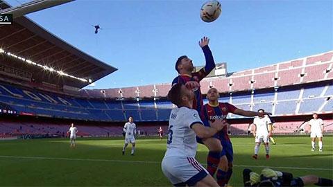 Messi suýt tái hiện 'Bàn tay của Chúa', cởi áo tưởng nhớ Maradona