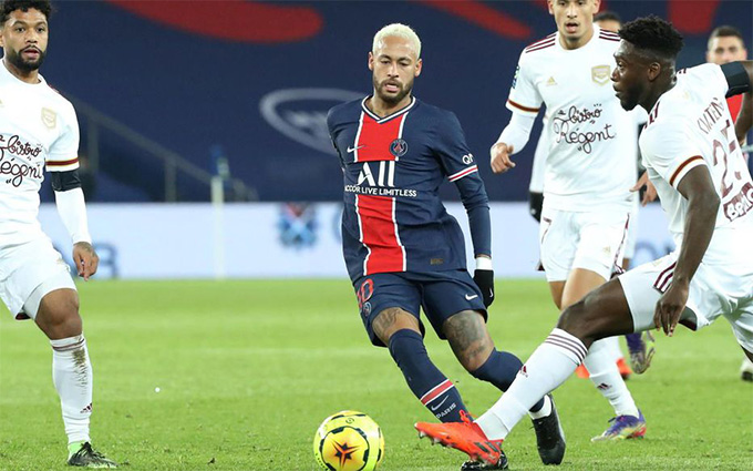 Neymar góp công trong cả 2 bàn thắng