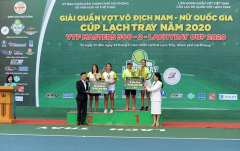 Cặp đôi Sĩ Bội Ngọc/Nguyễn Thị Bé Xuyên vô địch đôi nữ VTF Masters 500-2 năm 2020