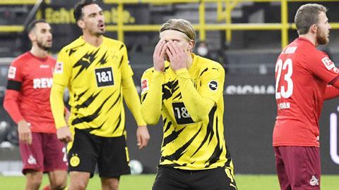 'Thần đồng' Moukoko, điểm sáng duy nhất trong thất bại của Dortmund