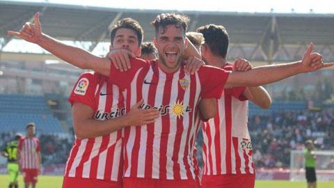 Soi kèo Oviedo vs Almeria, 3h00 ngày 1/12