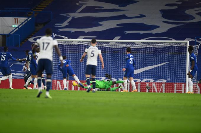 Thủ thành Mendy cứu thua xuất sắc cho Chelsea