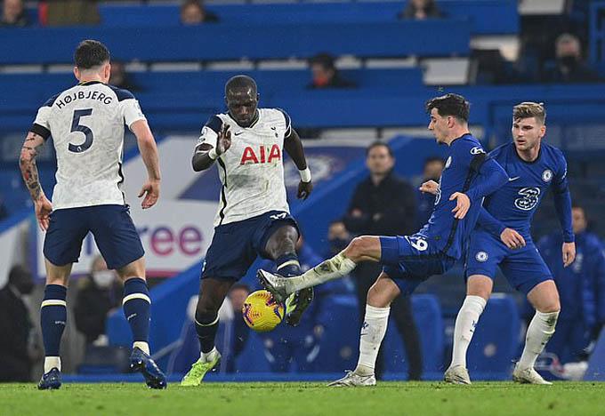 Chelsea và Tottenham đã có trận đấu bất phân thắng bại