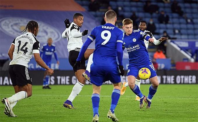 Bàn thắng của Harvey Barnes không đủ giúp Leicester kiếm điểm