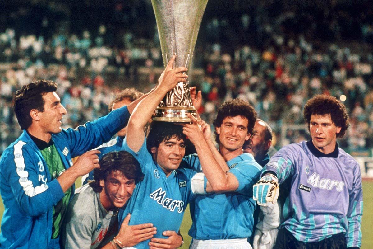 2 Scudetto ông mang về cho Napoli đã biến Maradona thành vị thánh của thành phố này