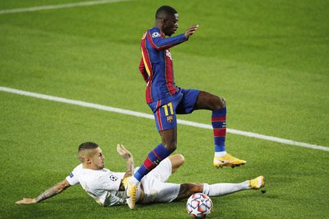 Với những chân sút dự bị như Dembele (áo sẫm), Barca vẫn sẽ dễ dàng đánh bại Ferencvaros