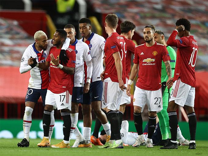 Tiền vệ Fred của M.U phải nhận thẻ đỏ ở trận đấu với Leipzig