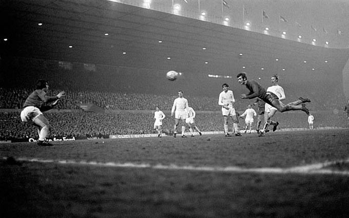 Màn đối đầu giữa Chelsea và Leeds ở chung kết FA 1970