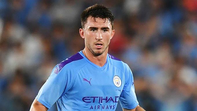 Laporte sẽ phải cố gắng hết sức để có mặt ở đội hình chính của Man City