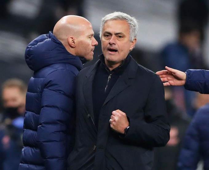 Mourinho đã giúp Tottenham vững vàng ngôi đầu bảng Ngoại hạng Anh 2020/21