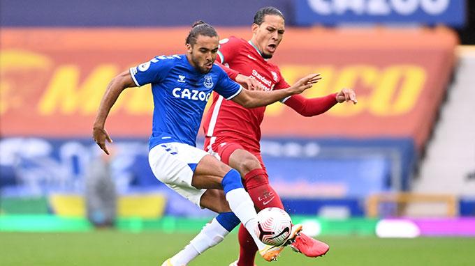 Liverpool và Everton đã thay nhau giữ đỉnh Ngoại hạng Anh
