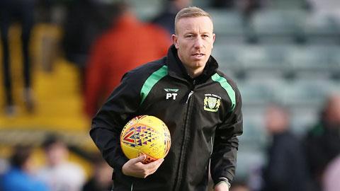 Anh trai Terry bị FA phạt  vì cá cược trái luật