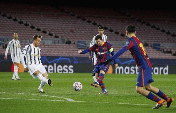 Messi có 7 cú dứt điểm trúng khung thành Juventus nhưng đều bị Buffon cản phá