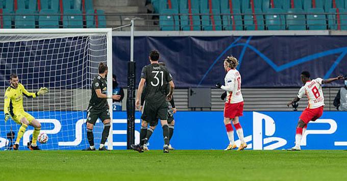 Haidara ghi bàn nâng tỷ số lên 2-0 cho RB Leipzig