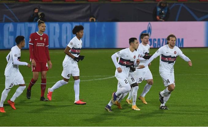 Midtjylland nỗ lực thi đấu trong hiệp 2 và có được bàn gỡ