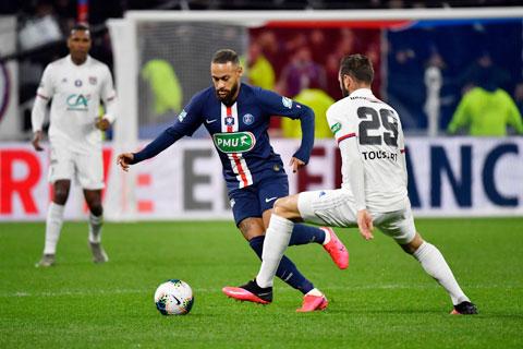 PSG (áo sẫm) và Lyon sẽ tạo ra cơn mưa bàn thắng