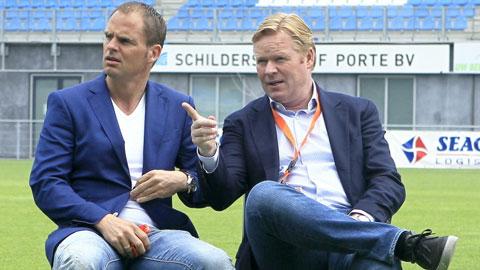 Ronald de Boer (trái) vừa đưa ra tư vấn cho HLV Koeman