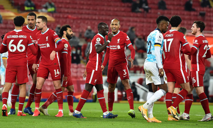Liverpool vững vàng vượt qua bão chấn thương để song hành cùng Tottenham trên ngôi đầu