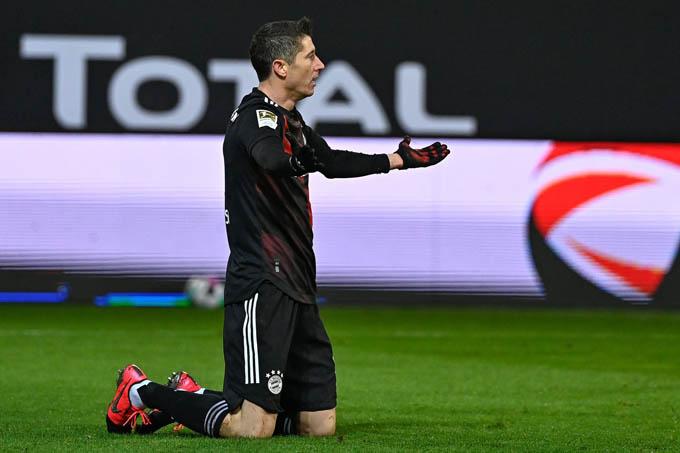 Lewandowski ghi bàn vào lưới Union Berlin