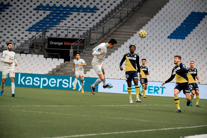 Thauvin mở tỷ số cho Marseille