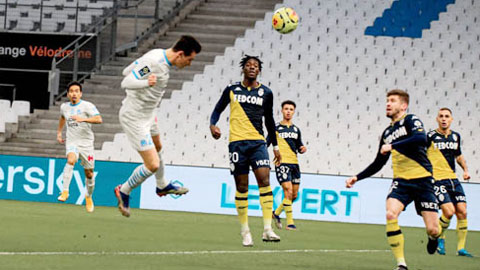 """Cứ về """"nhà"""", Marseille lại thăng hoa"""