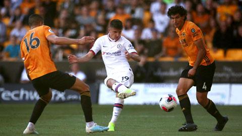 """Mason Mount (giữa) và đồng đội sẽ lấy trọn 3 điểm ở """"tổ ấm"""" của Wolves"""
