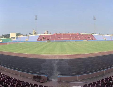 Mặt sân Việt Trí khá đẹp đảm bảo chất lượng cho 2 đội tuyển thi đấu