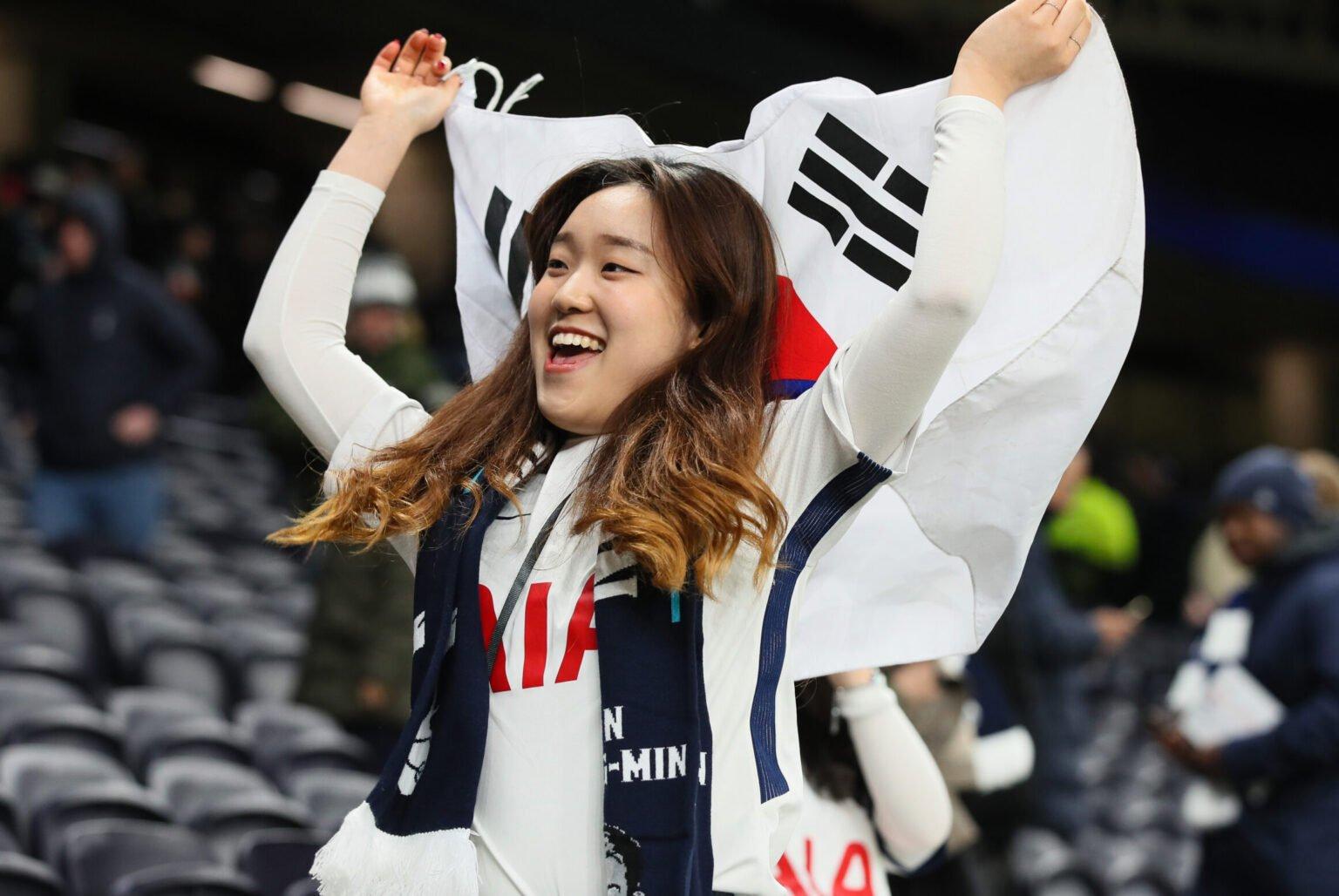 CĐV Hàn Quốc và châu Á phát điên vì Son, và Tottenham trở thành thương hiệu hấp dẫn ở Lục địa Vàng