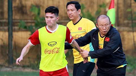 Dương Thanh Hào chỉ ra điểm khó nhất khi đá trung vệ ở ĐT Việt Nam