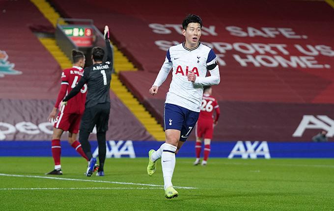 Heung-min Son ghi bàn gỡ hòa cho Tottenham ở cú dứt điểm duy nhất trong hiệp 1